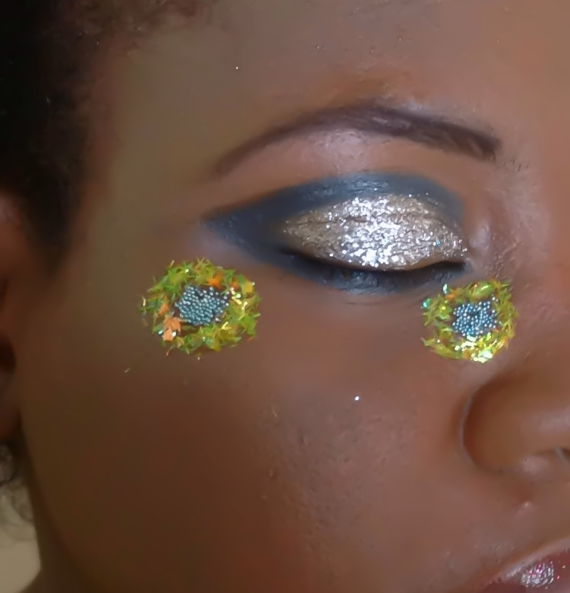 Artistic makeup, creative makeup,black and silver makeup,